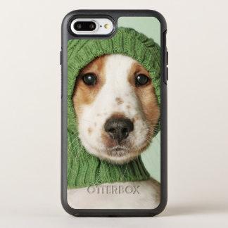 コッカースパニエルの子犬の身に着けているウールの帽子 オッターボックスシンメトリーiPhone 8 PLUS/7 PLUSケース