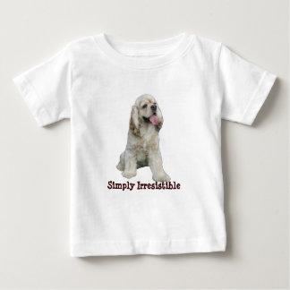 コッカースパニエルの抵抗できない幼児のユニセックスなワイシャツ ベビーTシャツ
