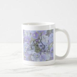 コテージの刺繍及びペチュニア コーヒーマグカップ