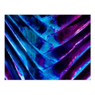 コバルトブルーおよびColorizedの鮮やかな紫色の旅行者 ポストカード