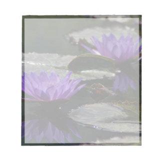 コバルトブルーのはす《植物》スイレンの花 ノートパッド