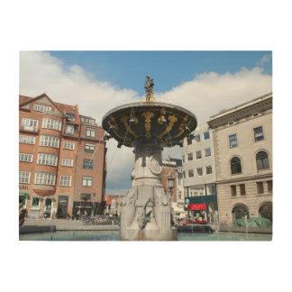 コペンハーゲンデンマークのCaritasの健康な噴水 ウッドウォールアート