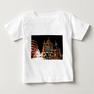 コペンハーゲン、夜のデンマーク ベビーTシャツ
