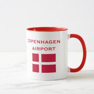 コペンハーゲンCPHの国際空港のマグ マグカップ