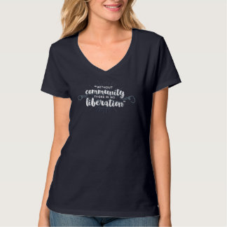 コミュニティ解放の海軍によって合われるV首のティー Tシャツ