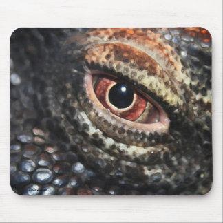 コモドオオトカゲの目のmousepad マウスパッド