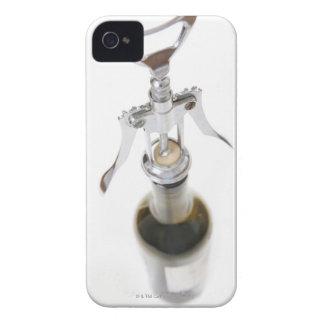 コルクせん抜きが付いているワイン・ボトル Case-Mate iPhone 4 ケース