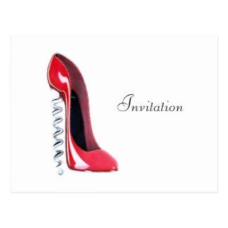コルクせん抜きのかかとの赤い小剣の靴の芸術 ポストカード