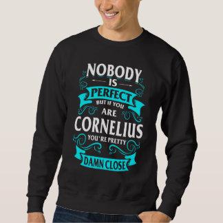 コルネリウスのTシャツがあること幸せ スウェットシャツ