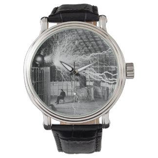 コロラドスプリングスの彼の実験室のニコラ・テスラ、1899年 腕時計