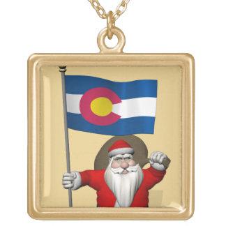 コロラド州の旗を持つサンタクロース ゴールドプレートネックレス