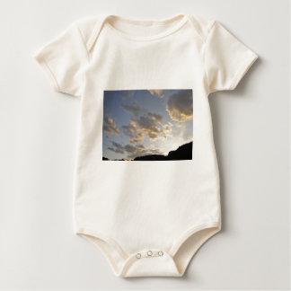 コロラド州の日没の雲 ベビーボディスーツ