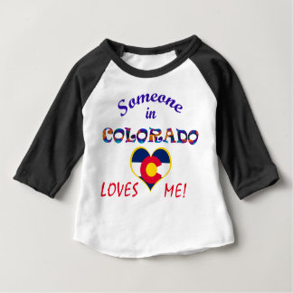 コロラド州は私をハートの旗愛します ベビーTシャツ