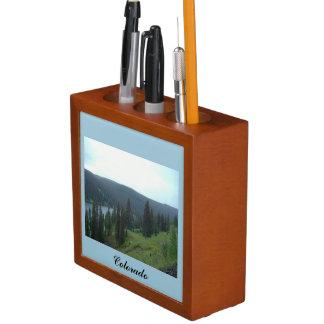 コロラド州山の机のオルガナイザーの湖 ペンスタンド