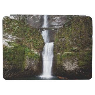 コロンビアの峡谷のMultnomahの滝 iPad Air カバー