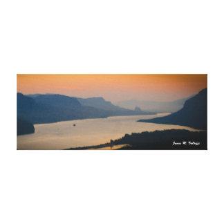 コロンビア川の峡谷の8 x 20.31日の出 キャンバスプリント