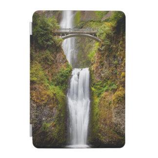 コロンビア川の峡谷2に沿うMultnomahの滝 iPad Miniカバー