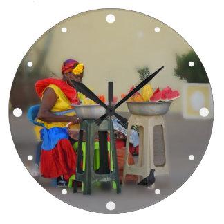 コロンビア-カリブのなフルーツの売り手 ラージ壁時計