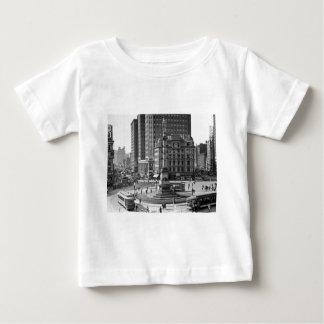 コロンブスの円のヴィンテージのスライドガラス ベビーTシャツ