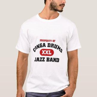 コンガはxxlのジャズバンドをドラムをたたきます tシャツ