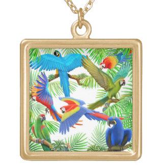 コンゴウインコのオウムのジャングルのネックレス ゴールドプレートネックレス