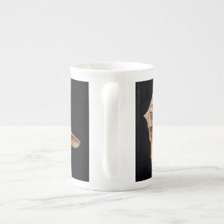 コンシュの貝の骨灰磁器のマグ ボーンチャイナカップ