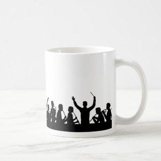 コンダクターの輪郭およびバンドは白で黒くします コーヒーマグカップ