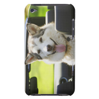 コンバーチブルからのハスキーな犬 Case-Mate iPod TOUCH ケース