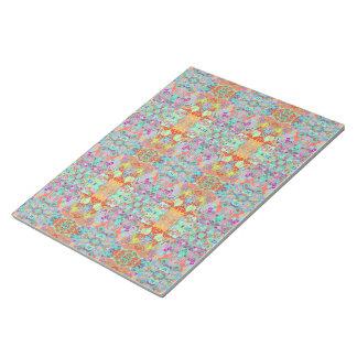 コンパスのフラクタルの大きい多色刷りのメモ帳 ノートパッド