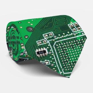 コンピュータギークのサーキットボードの緑 ネクタイ