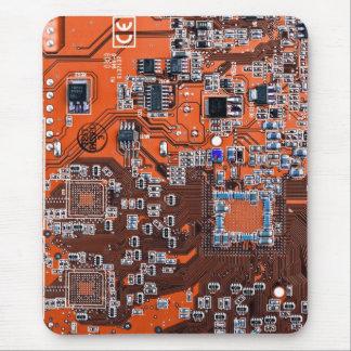 コンピュータギークのサーキットボード-オレンジ マウスパッド