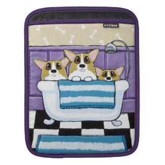 コーギーのBathタイムのかわいい犬の芸術 iPadスリーブ