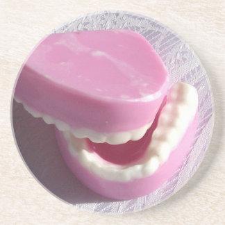 コースターの歯科医の総義歯の歯 コースター