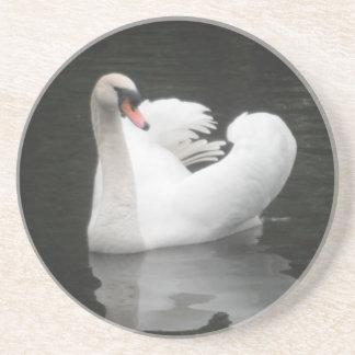コースターの白鳥の水泳 コースター