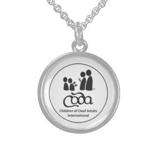 コーダの円形のロゴの純銀製のネックレス スターリングシルバーネックレス
