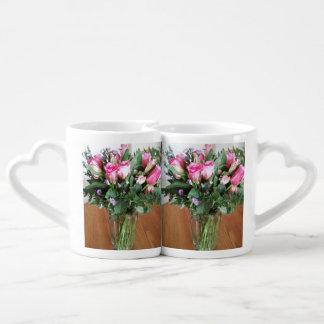 コーヒーのためのバラの花束 ペアカップ
