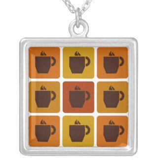 コーヒーはネックレスを平方します シルバープレートネックレス