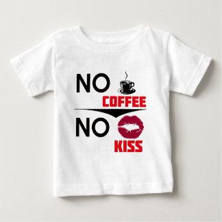 コーヒーキスのデザイン ベビーTシャツ