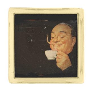 コーヒーセット右の ゴールド ラペルピン