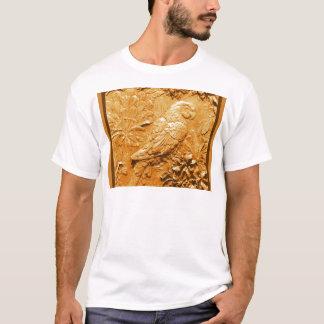 コーヒーラテのSharles著色によって切り分けられるコンゴウインコのギフト Tシャツ