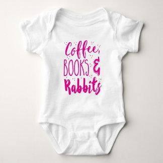 コーヒー本およびウサギ ベビーボディスーツ