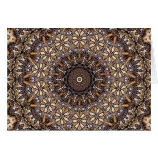 コーヒー色のブラウンの万華鏡のように千変万化するパターンの抽象芸術 カード