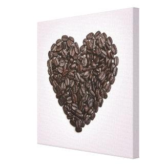 コーヒー豆から成っているハート キャンバスプリント