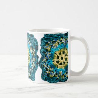 コーヒー・マグのかぎ針編みのデザイン コーヒーマグカップ