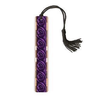 ゴシックの暗い紫色のバラ ブックマーク
