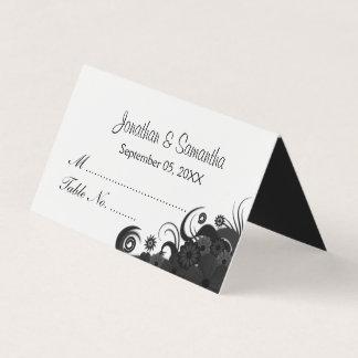 ゴシックの白黒ハイビスカスの花柄によって折られるテーブル プレイスカード