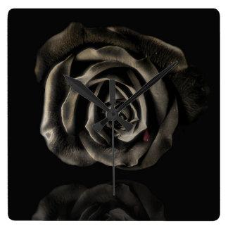 ゴシック様式吸血鬼の黒のバラの時計 スクエア壁時計