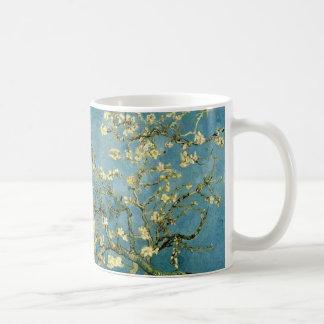 ゴッホの活気付くアーモンド木のヴィンテージの芸術 コーヒーマグカップ