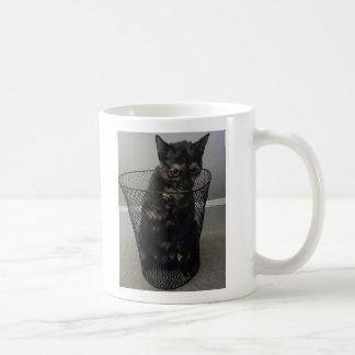 ゴミ箱の猫 コーヒーマグカップ
