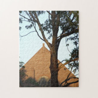 ゴムの木のパズルの中の教会 ジグソーパズル